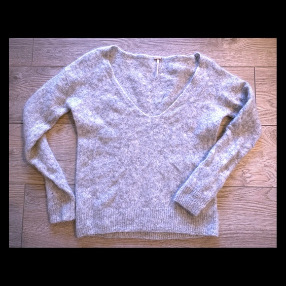 2/$40 - Free People light weight low neck Sweater